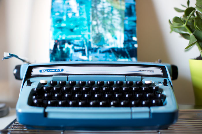::  this typewriter (*not just for looks)  ::